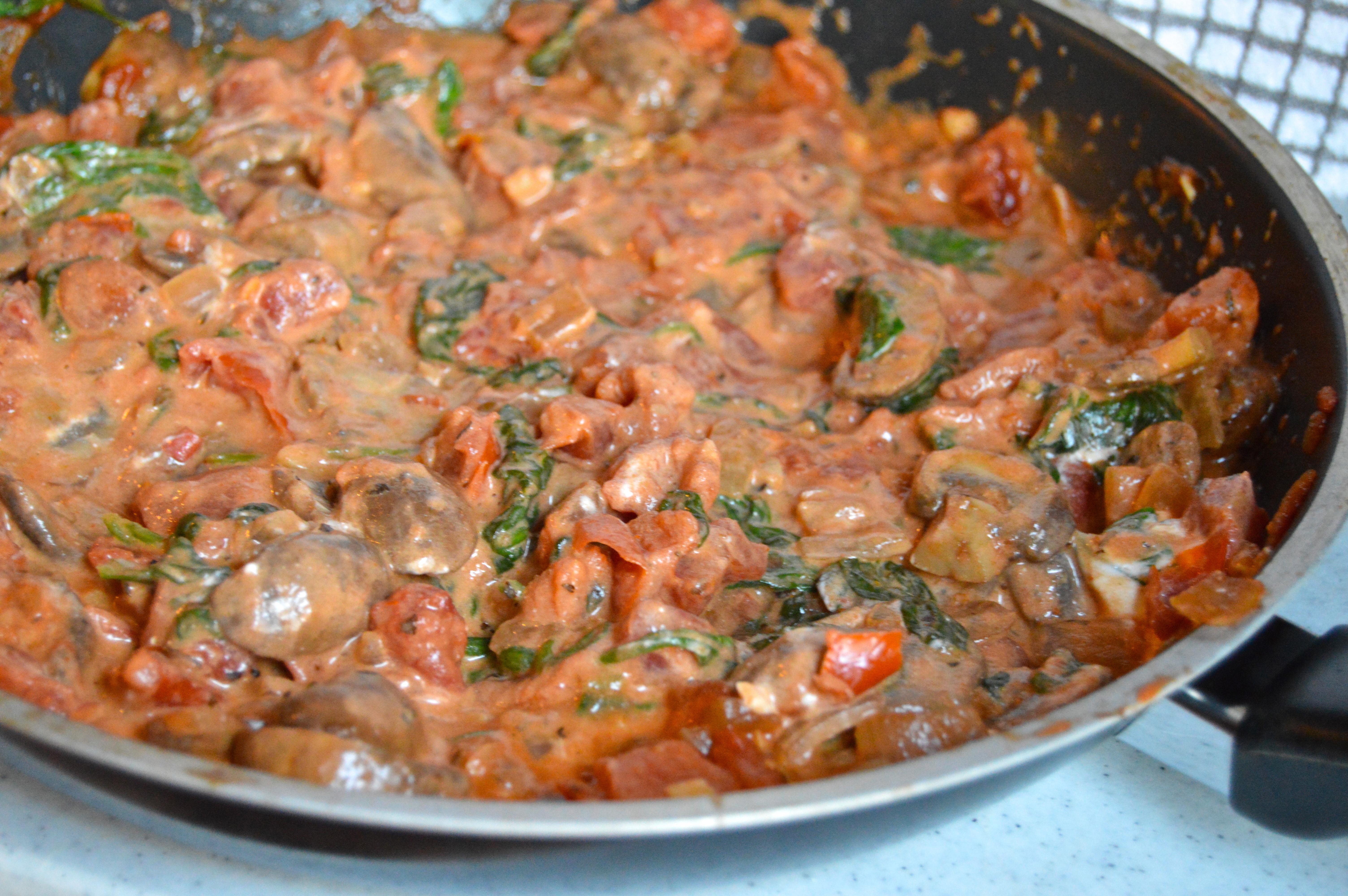 Goat Cheese And Mushroom Marinara Spaghetti Squash Pasta Serves 4 Start To Finish 35 Min For Sauce 50 Min For Sauce And Squash