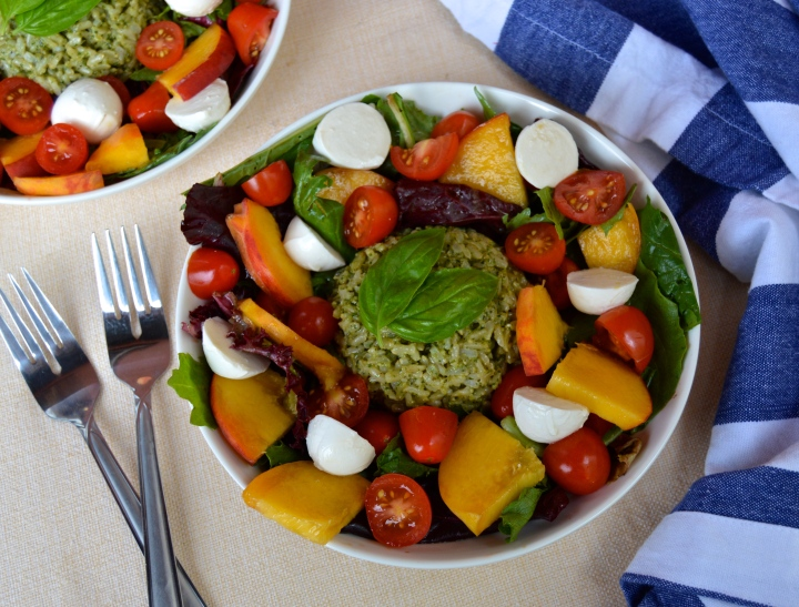 Caprese Bowls with Pesto-Rice & Peaches
