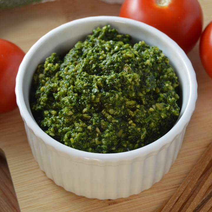 Best of Basic: Kale Pesto (df | vegan | gf)