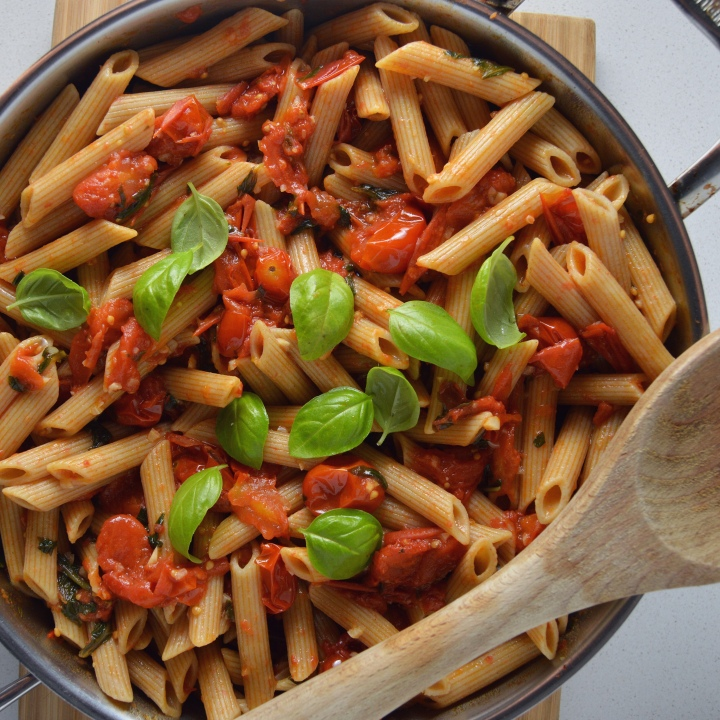 Lean Pantry: Bursted Cherry Tomato Pasta with Garlic & Basil