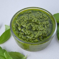 Lean Pantry: Vegan Spinach & Basil Pesto