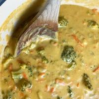 Vegan Broccoli Cheddar Soup (Panera Copycat)