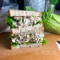 Creamy Chickpea Salad Sandwiches (vegan)